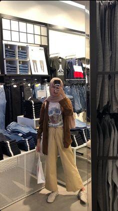 Hijab Fashion Summer, Modest Fashion Hijab, Modern Hijab Fashion, Street Hijab Fashion, Casual Hijab Outfit, Hijab Fashion Inspiration, Korean Girl Fashion, Muslim Fashion, Ootd Hijab