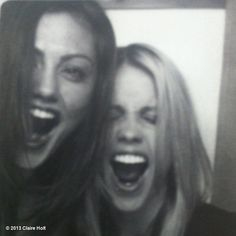 So sweet, Phoebe Tonkin and Claire Holt :D The Originals cast. ♥