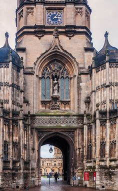 The Gothic entrance to the Tom Quad in Oxford, England.  The Great Quadrangle, more popularly known as Tom Quad, is one of the quadrangles of Christ Church, Oxford, England.
