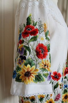 Блузки ручной работы. Летняя женская вышиванка блуза туника Embroidery On Clothes, Folk Embroidery, Hand Embroidery Stitches, Embroidery Fashion, Embroidery Dress, Ribbon Embroidery, Embroidery Patterns, Embroidered Towels, Embroidered Clothes