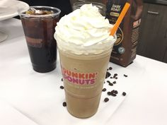 Dunkin Donuts Large Caramel Frozen Coffee Calories - Image of Coffee and Tea Best Iced Coffee, Cold Brew Iced Coffee, Coffee Mix, Mocha Coffee, Blended Coffee, Best Dunkin Donuts Drinks, Dunkin Donuts Recipe, Starbucks Drinks, Caramel Coffee Recipe