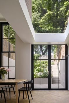 """leibal: """"Tower House is a minimalist renovation located in London, United Kingdom, designed by Dominic McKenzie Architects. According to the architects, the original house was constructed in the Patio Interior, Home Interior Design, Interior And Exterior, Best Home Design, London Apartment Interior, Interior Windows, Interior Colors, Interior Plants, Architecture Design"""