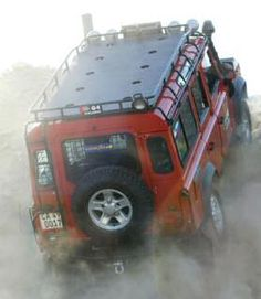 Land Rover and dust. any idea where this roof cargo box is at?