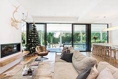 26 Elegant White and Neutral Christmas Decorating Schemes External Sliding Doors, Neutral, Christmas Decorations, Windows, Living Room, Studio, Elegant, House, Architects