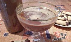 Velmi jednoduchý recept na vaječný likér. Sladký, chutný a z láhve zmizí za krátký okamžik. Někdy jsme doma dělávali ze salka, určitě znáte, ale byl příliš sladký, tak jsme hledali alternativu, která nebude až tak přeslazená a bude i tak chutná a myslím, že tento likér je super. Autor: Triniti Thing 1, Kakao, Party Drinks, Sangria, Pudding, Desserts, Food, Liqueurs, Evaporated Milk