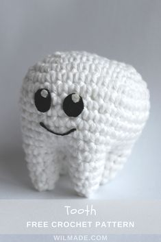 Free #crochet pattern to make this #tooth #molar on wilmade.com. Great gift idea for dentists and kids going to the dentist and/or losing baby teeth.