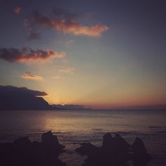#r StunningSunsetAhead.. . #sunset #colorful #goodlife #goodvibes #amazing #experience #bestmoments #nature #naturelovers #poetry #moodboard #mood #bestoftheday #sicily #sea #landscape #sunsetporn