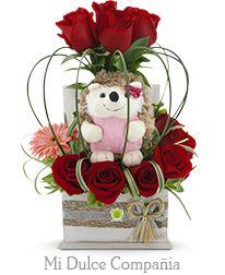 Valentine Flower Arrangements, Beautiful Flower Arrangements, Floral Arrangements, Beautiful Flowers, Flower Shop Decor, Flower Decorations, Balloon Flowers, Paper Flowers, Valentine Crafts