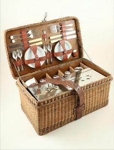 Vintage wicker GW+S Scott 4 person picnic set complete original circa 1900-1914