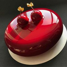 Chocolate and pear crumble cake - HQ Recipes Mini Cakes, Cupcake Cakes, Decoration Patisserie, Mirror Glaze Cake, Mirror Cakes, Glass Cakes, Beautiful Desserts, Fancy Desserts, Elegant Cakes