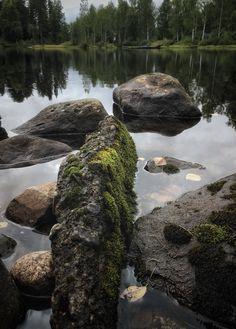 Kirjolohilammen rantakiviä, Heinävesi
