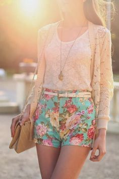 Cute outfit. I like the floral shorts and the different textures
