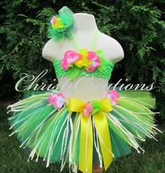 hawaiian costume. Great ideas for planning a luau or beach party!