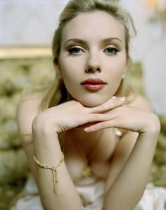 Scarlett Johansson pictures and photos Scarlett Johansson, Hollywood Celebrities, Hollywood Actresses, Hot Actresses, Beautiful Actresses, Scarlett And Jo, Foto Art, Black Widow, Hottest Models