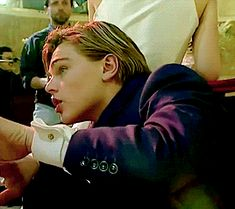 http://gold-and-fur.tumblr.com/post/140542680693/galorail-21yr-old-leonardo-dicaprio-on-set-of