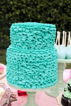 Teal ruffle cake for