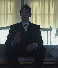 Robin Lord Taylor GIF HUNT This gif hunt contains gifs of Robin Lord Taylor. Jerome Gotham, Gotham Tv, Cameron Monaghan Gotham, Penguin Gotham, Robin Taylor, Jerome Valeska, Riddler, Gifts For Photographers, Batman Art