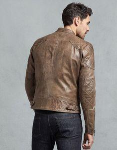 Essa jaqueta é uma obra prima da moda. Uma das mais famosas e duradouras do mercado. Tem em outras cores, como o clássico preto, e é uma das bases de uma guarda roupas atemporal. Cafe Racer Jacket, Best Shopping Sites, Belstaff, Mens Fashion, Fashion Outfits, Stylish Men, Mens Suits, Madrid, Men Sweater