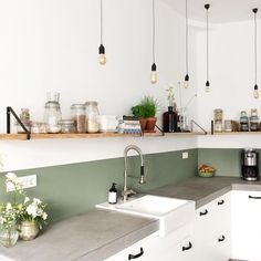 creative small kitchen design and organization ideas 18 ~ Modern House Design Kitchen Dining, Kitchen Decor, Kitchen Cabinets, Kitchen Sinks, Dining Rooms, Cocinas Kitchen, Style Deco, Kitchen Interior, Home Kitchens