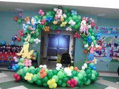 Mikey club house balloon arch