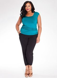 Sporty chic inspired styling comes together with a lightweight silky twill fabric in our Andrea Pants! These versatile pants have a bit of stretch, which makes them a great go -to for whatever occasion. Pair with a flat metallic sandal for a casual vibe for weekends or wear with a great pair of statement heels to create a memorable after 5 look. Available in Size 12-28 Shop Here: http://www.stylishplus.com.au/products/andrea-plus-size-pants