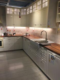 Bodbyn kjøkken Kitchen Interior, Kitchen Decor, Kitchen Design, Ikea Cabinets, Kitchen Cabinets, Ikea Bodbyn Kitchen, Kitchen Peninsula, Grey Countertops, Dream House Interior