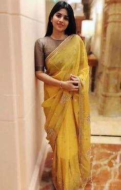 Megha Akash Hot HD Photos & Wallpapers for mobile (megha akash, actress, kollywood, tollywood, hd wallpapers) Trendy Sarees, Stylish Sarees, Fancy Sarees, Saree Blouse Neck Designs, Fancy Blouse Designs, Dress Indian Style, Indian Dresses, Indian Outfits, Indian Beauty Saree