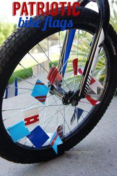 DIY Patriotic Bike Flags #4thofjuly #kidscrafts