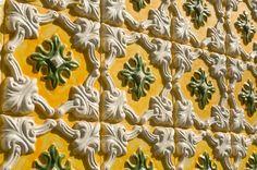 Autre type d'azulejos Portuguese Tiles, Floral Motif, Mosaic, Crafts, Painting, Centre, Traditional, Deco, Tiles