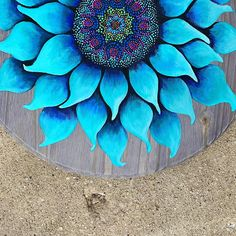 Hand Painted Furniture, Funky Furniture, Dot Art Painting, Painting On Wood, Flower Mandala, Mandala Art, Wood Pallet Art, Sunflower Art, Dot Dot