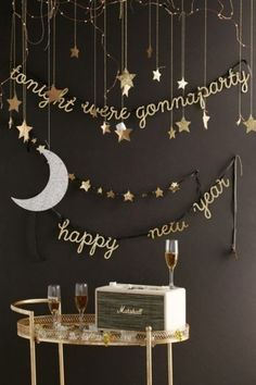 54 Easy DIY New Years Eve Party Decor Ideas. New Years Eve is a time for going out with the old and in with the new. The party symbolizes new beginnings so start off the year with a bang with some fun. Nye Party, Festa Party, Elmo Party, Mickey Party, Party Candy, Dinosaur Party, Deco Nouvel An, Silvester Diy, New Years Decorations