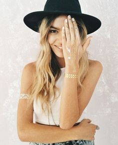 Beauty Trends: Flash Tattoos