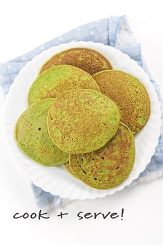 Easy Blender Spinach Pancakes for Baby + Toddler (Allergy Friendly! Spinach Pancakes, Baby Pancakes, Breakfast Pancakes, Nut Free, Dairy Free, Gluten Free, Toddler Meals, Kids Meals, Toddler Recipes