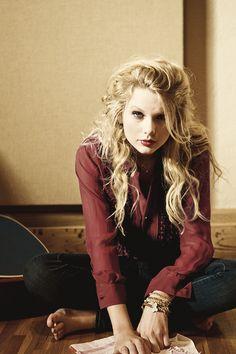 Taylor Swift -MovieLaLa #movies #swift