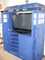 Watching Doctor Who in style..holy, oh my gosh this is amazing!
