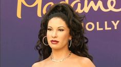 Wax figure of late Tejano singer Selena unveiled in Hollywood on cjn news