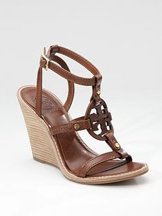 tory burch Wedge Shoes, Wedge Sandals, Shoes Sandals, Shoe Boots, Summer Wedges, Types Of Shoes, Pump Fiction, Crazy Shoes, Beautiful Shoes