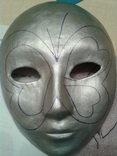 MES COEURS 2 Máscaras de cartapesta.