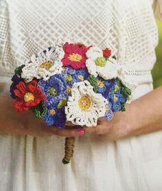 Simply Crochet Magazine Issue 32 Flower wedding bouquet Hannah Cross