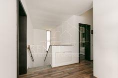 Vila Pipera Porsche - Renet Jacuzzi, Bathroom Lighting, Oversized Mirror, Porsche, Furniture, Home Decor, Bathroom Light Fittings, Bathroom Vanity Lighting, Decoration Home