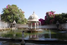 A Complete Guide on the Saheliyon ki Bari, Udaipur