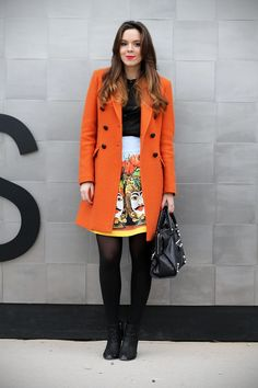 #orange #coat #aspesi #dolceegabbana #dolce e gabbana #balenciaga #outfit #pitti #streetstyle    VIA: www.ireneccloset.com