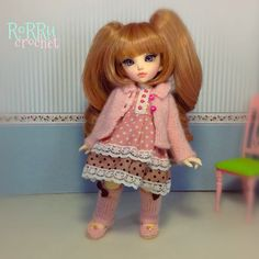 Eurika : Trying new wig, is it fit with me?  #bjd #balljointeddoll #littlefeechloe #littlefee #chloe #dollphotography #instadoll #crochet #hakken #crochetshoes #legwarmer #knitting #knit #sewing #sew #sweater #rajut #bajuboneka #boneka #bonekaluwes #dolloutfit #outfit #rorrucrochet #Padgram