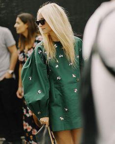 Summer Fashion Tips .Summer Fashion Tips Look Fashion, High Fashion, Winter Fashion, Womens Fashion, Fashion Tips, Fashion Design, Fashion Trends, Fashion Fashion, Abaya Fashion