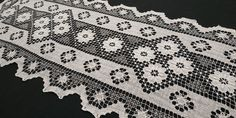VIntage Handmade FIlet Lace Table Runner, Pure White, 40x110cm / 15.7x43.3in Large Tablecloths, Lace Table Runners, Table Toppers, Pure White, Table Centerpieces, Delicate, Pure Products, Floral, Pattern
