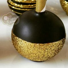 Gold glitter cake pop by O Pops by Angie