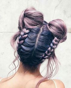This hair & hairstyle! The light purple is  beautiful.