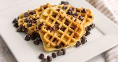 Your family will HEART these cookie waffles... especially when paired with vanilla ice cream! 🤤 Gooey Chocolate Chip Cookies, Chocolate Chip Ice Cream, Mini Chocolate Chips, Homemade Chocolate, Delicious Chocolate, Yummy Easy Snacks, Waffle Maker Recipes, Waffle Cookies, Cookie Flavors
