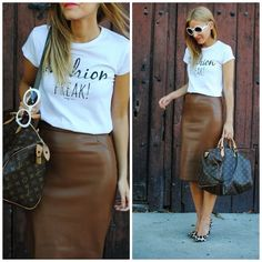 Mode Outfits, Chic Outfits, Fall Outfits, Fashion Outfits, Modest Fashion, Brown Leather Skirt, Faux Leather Pencil Skirt, Leather Skirts, Suede Skirt
