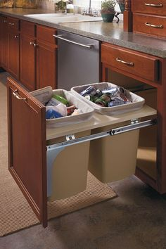 Aristokraft Cabinetry S Traditional Country Sink Cabinet